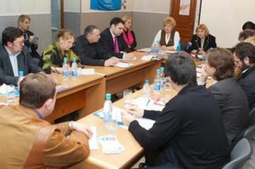 2012-kruglyj-stol-12-04-072