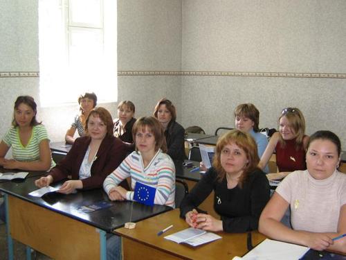 2047-slushateli-shkoly-aktivnogo-grazhdanina-na-ocherednom-zasedanii